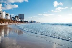 Пляж солнечного Бат-Яма