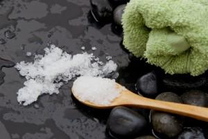 Хорошим подарком для близких станет косметика с природными минералами Мертвого моря