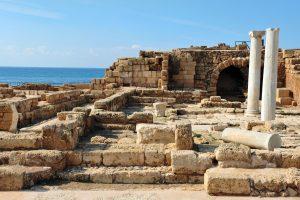 Руины античного города - Кейсария