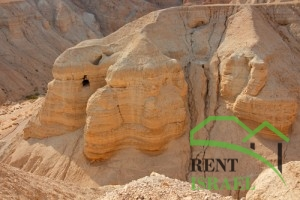 Пещера в Иудейской пустыне
