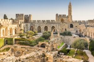 В августе в Иерусалиме наиболее комфортная температура, можно отправиться на экскурсию