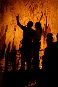 Незабываемые впечатления останутся от посещения пещеры