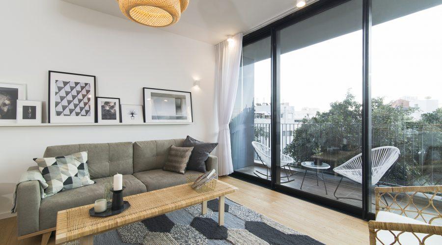 Двухкомнатные апартаменты с видом на море в центре Тель-Авива